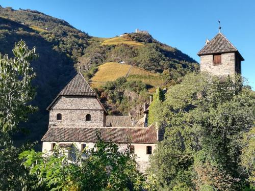 17 Castel Roncolo